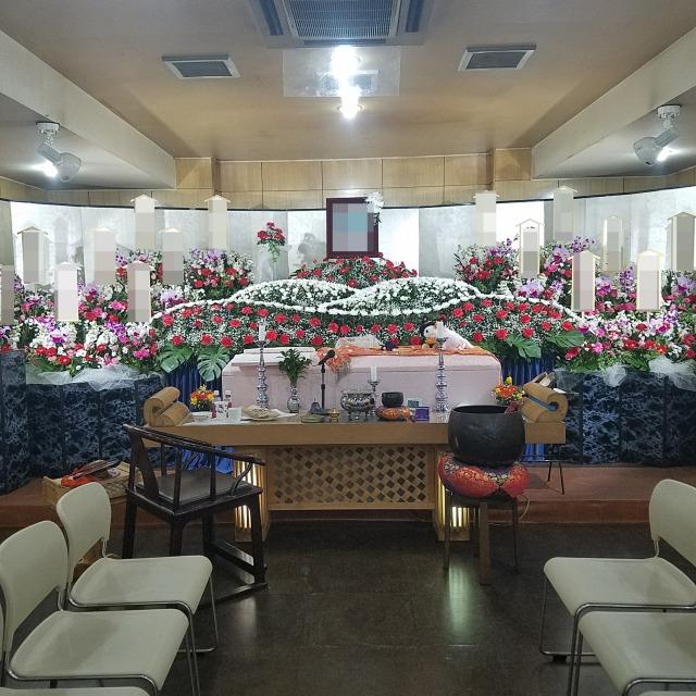 磯子区,家族葬,生花祭壇,赤