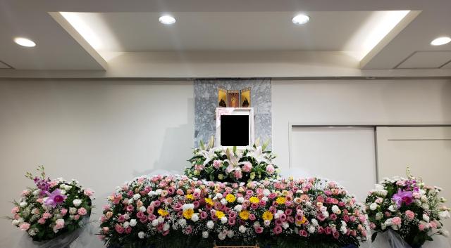 生花祭壇,華やか,夏,杉浦本店